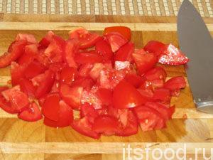 порезать помидоры,