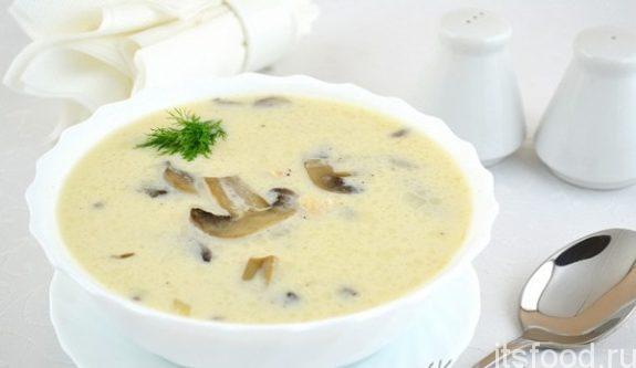 Сырный суп с плавленным сыром и шампиньонами