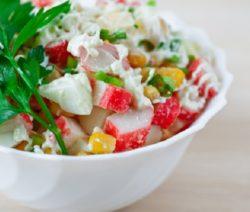 Салат из крабовых палочек - рецепт с фото, очень вкусный