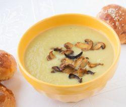 Суп грибной с плавленным сыром: простой рецепт