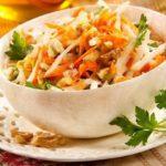 Салат с морковью и яблоками