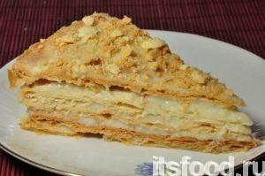Поставить торт из песочного теста со сгущенкой в холодильник настояться в течение часа или двух. Торт песочный со сгущенкой готов!