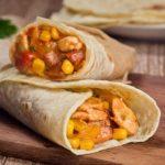 burrito s kuricej i kukuruzoj