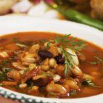 fasolevyj sup s bekonom i salyami min