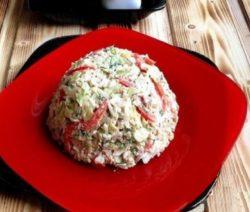 Очень вкусный салат из печени трески - рецепт с фото