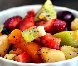 Фруктовый салат с цедрой и медом