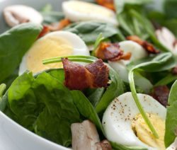 spinach salad with GOURMET PARK CATERING