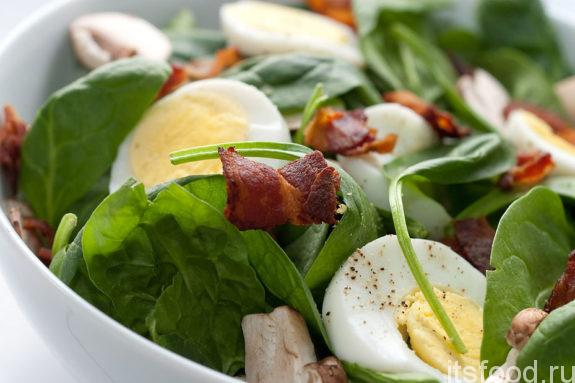 Простой и вкусный салат со шпинатом - рецепт с фото
