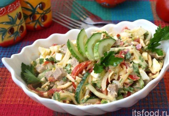 Простой и вкусный рецепт салата с мясом и овощами