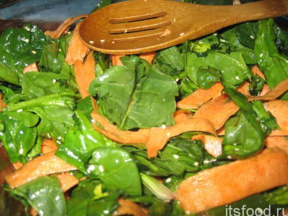 Салат со шпинатом и морковью