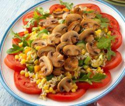 Салат с грибами и кукурузой - пошаговый рецепт