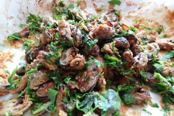 Салат с мидиями: пошаговый рецепт