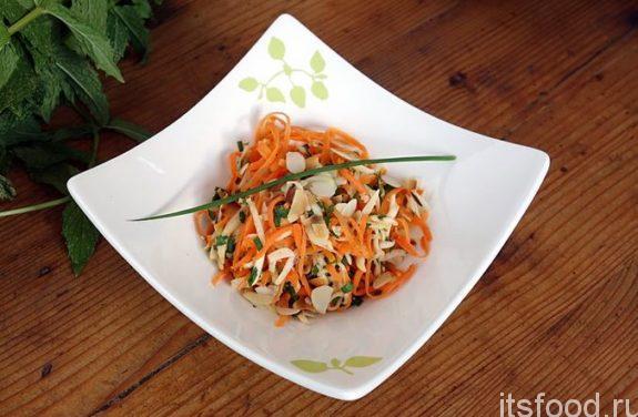 Салат с морковью и копченой колбасой: рецепт