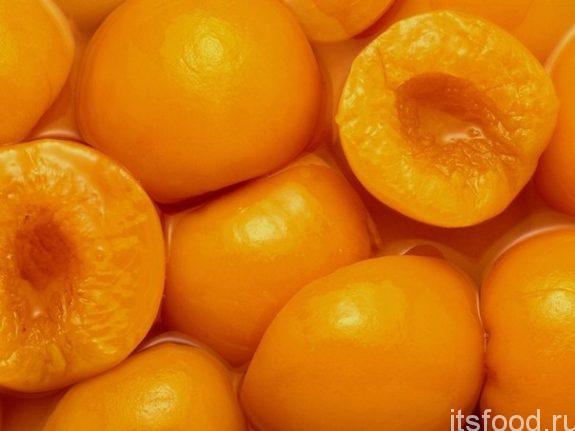 Консервированные абрикосы в сиропе