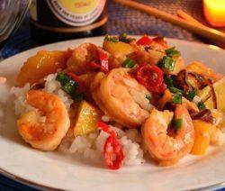 Жареные креветки с чесноком в соевом соусе - рецепт с фото