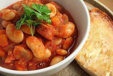 Острое томатное рагу с бобовыми