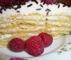 Торт «Нежный» песочный с безе