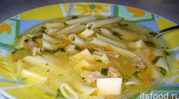 Куриный суп с макаронами и сыром