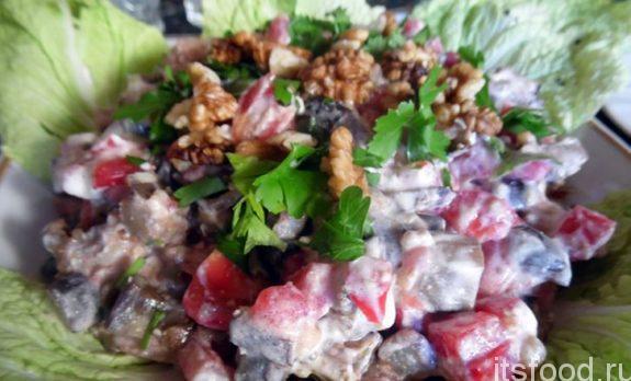 Салат из баклажанов с помидорами - рецепт
