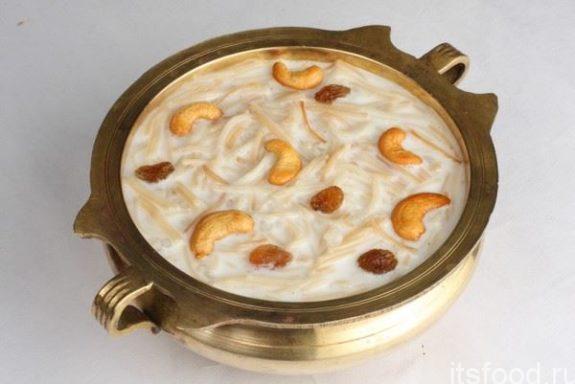 Молочный суп с вермишелью, курагой и курицей - рецепт с фото