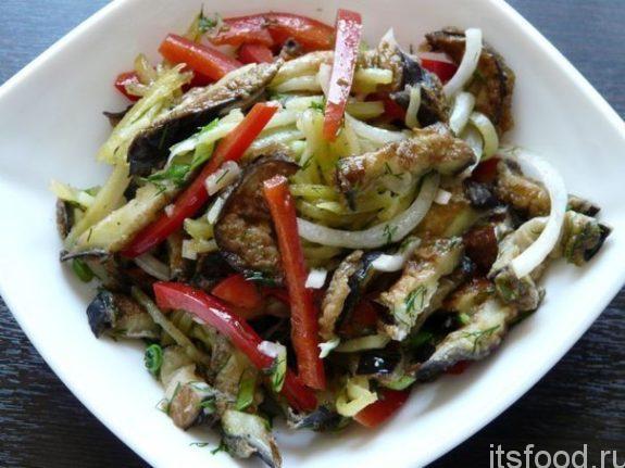 Салат из жареных баклажанов - рецепт