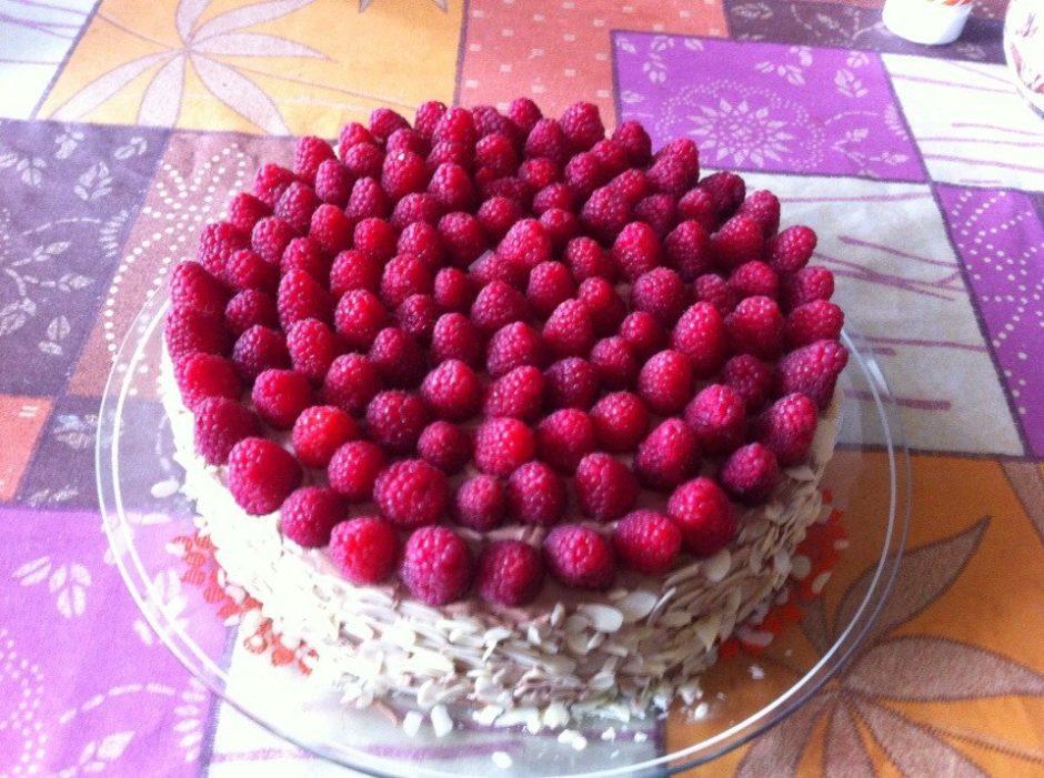 Бисквитный торт с малиной рецепт с фото