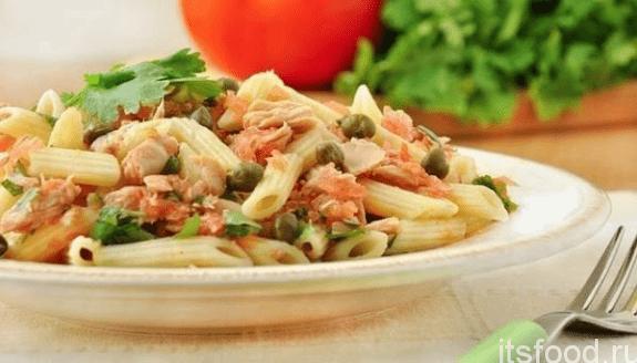 Салат с макаронами, тунцом и зеленым горошком - рецепт с фото