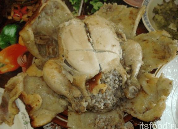 Фаршированная курица, запеченная в тесте в мультиварке