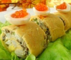 Сырный рулет с грибами и кальмарами
