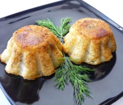 Закрытые пирожки из картофеля с начинкой из грибов