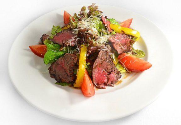 Мясной салат с говяжьей вырезкой