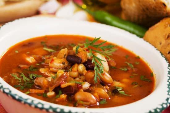 Суп из фасоли и кабачков