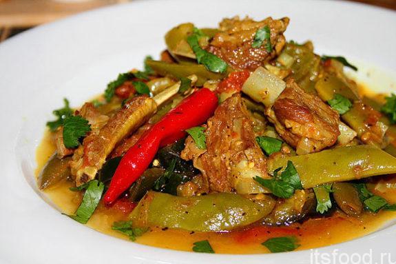 Ребрышки мясные с овощами
