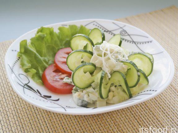 Салат из огурцов с рассольным сыром по-дагестански
