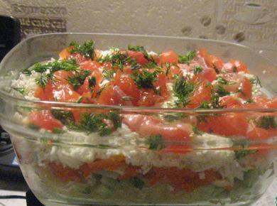 Салат с семгой и свежим огурцом «Праздник»