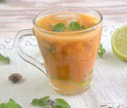 Охлаждающий абрикосовый коктейль с мятой