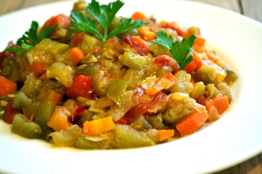 салат и из капусты и ветчины рецепты