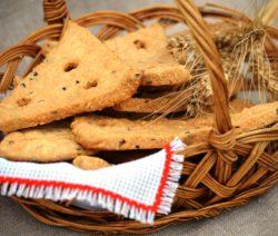 Сырное печенье с семенами льна