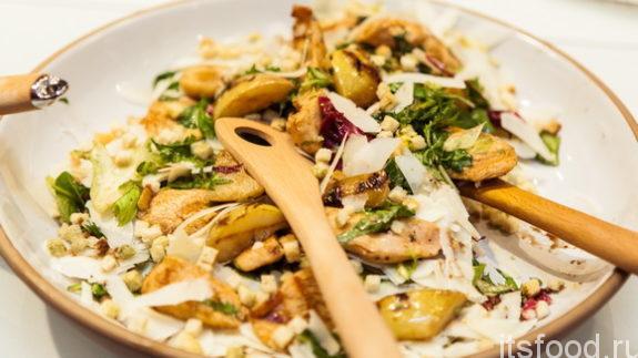 Осенний салат с грушей и сыром