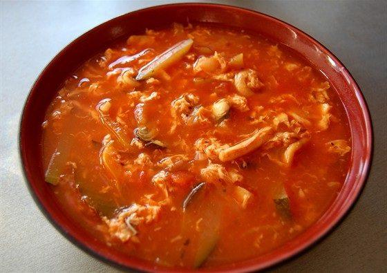 Суп с томатом и морепродуктами