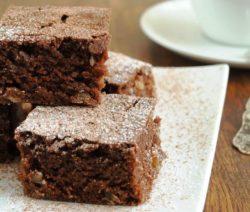 Шоколадная шарлотка с грушами - пошаговый рецепт с фото