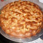 Пирог «Шарлотка» с яблоками - простой рецепт