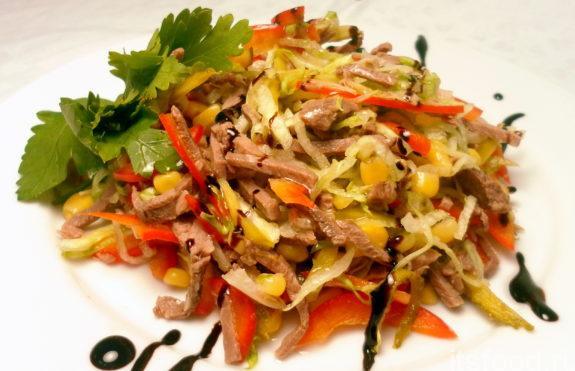 Салат с мясом и кукурузой: рецепт