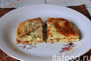 Кабардинские лепешки с картошкой и сыром готовы. Подаем в горячем или холодном виде.