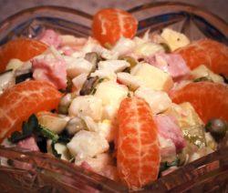 Зимний салат - рецепт классический с колбасой