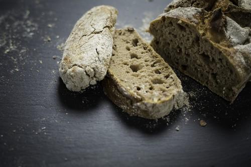 10 способов использовать старый хлеб в кулинарии