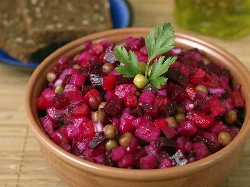 5 традиционных и 5 диковинных салатов к новогоднему столу