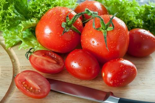 Как сделать помидоры для салата вкуснее