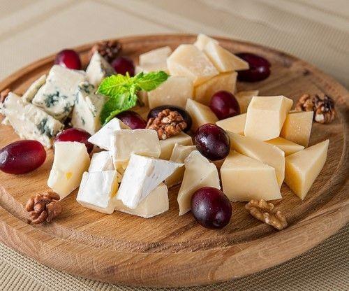 4 привычных блюда, которых не должно быть на новогоднем столе 2020