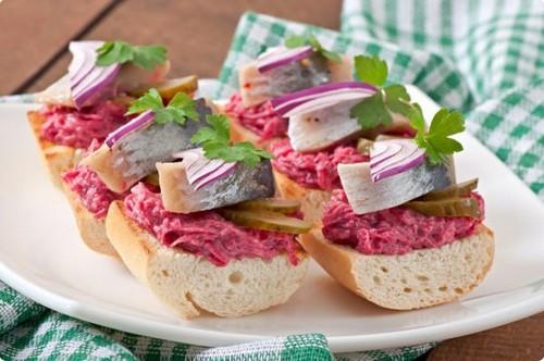 4 вида бутербродов с рыбой к новогоднему столу 2020